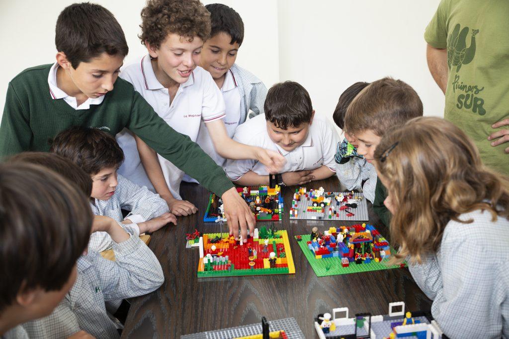 Sesión en colegio La Magdalena, los alumnos nos muestran sus maquetas